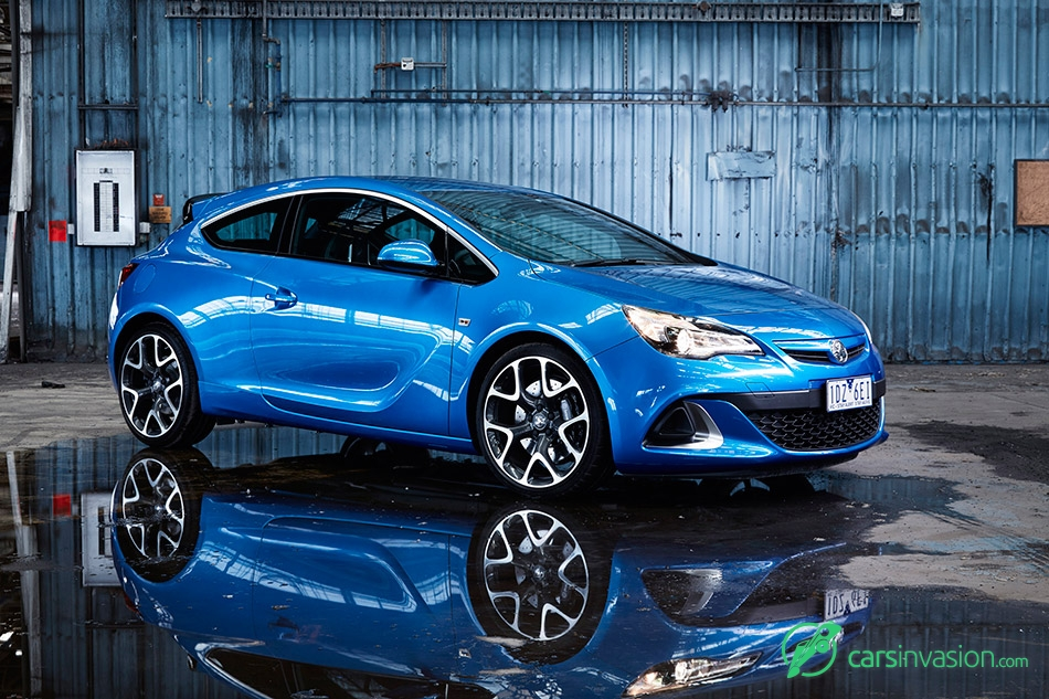 2015 Holden Astra VXR Front Angle