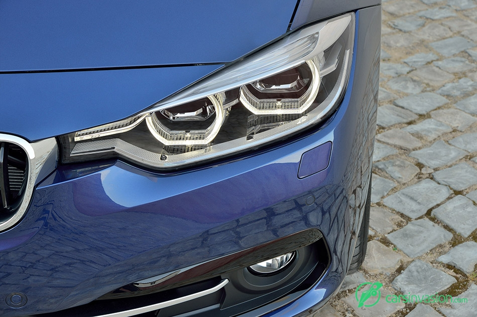 2016 BMW 3-Series full-LED headlights