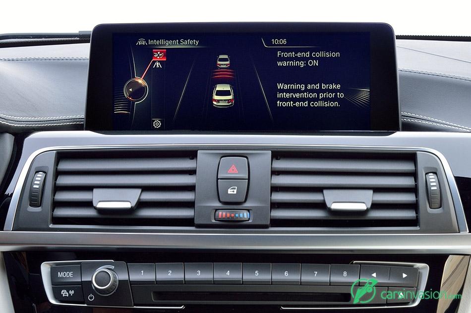 2016 BMW 3-Series intelligent safety display