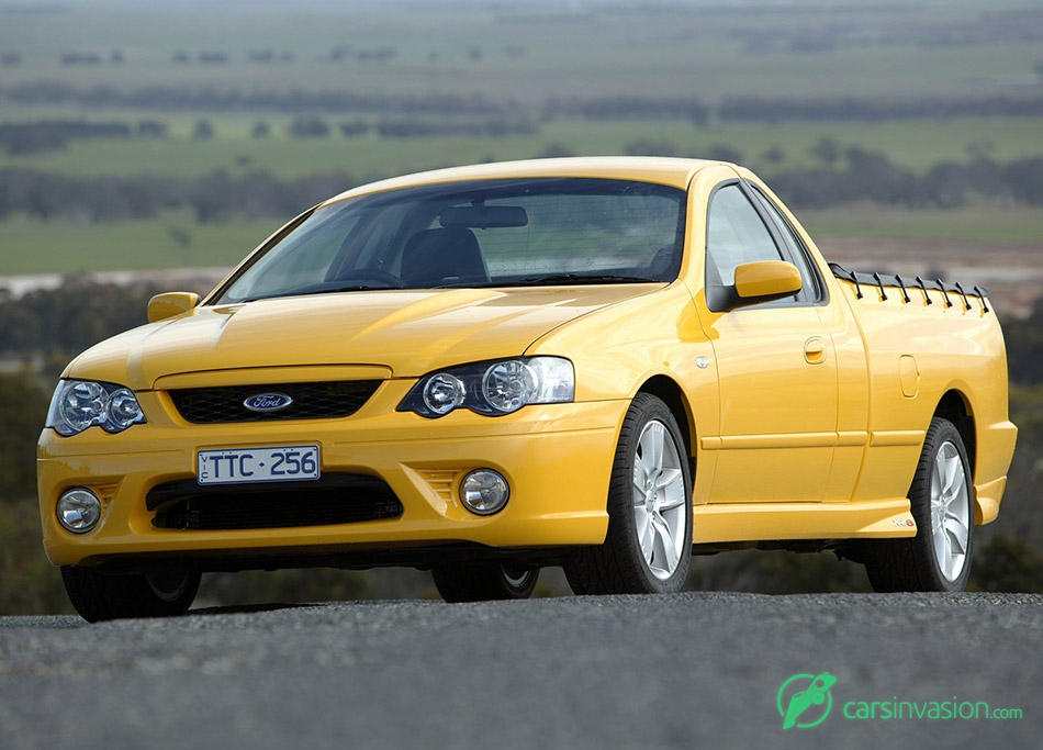 2005 Ford BF Falcon XR8 Ute Front Angle
