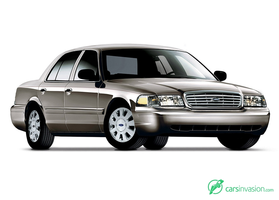 2006 Ford Crown Victoria Front Angle