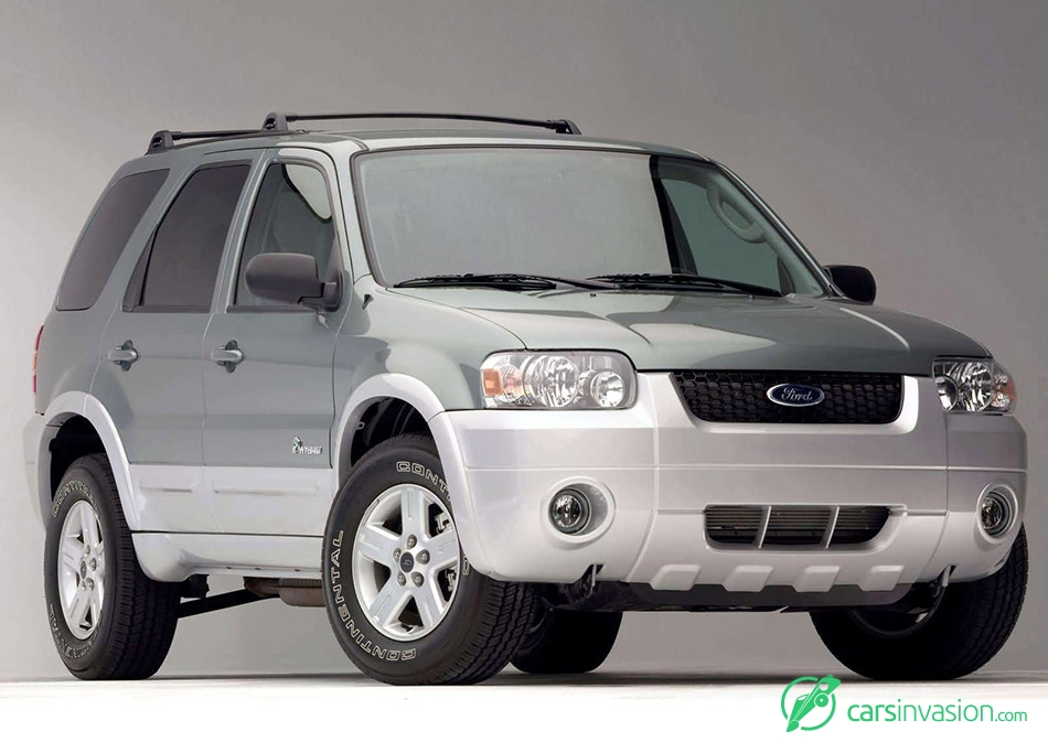 2005 Ford Escape Hybrid Front Angle
