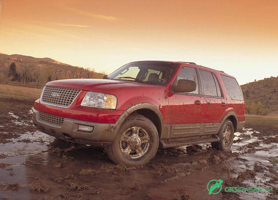 2003 Ford Expedition Front Angle