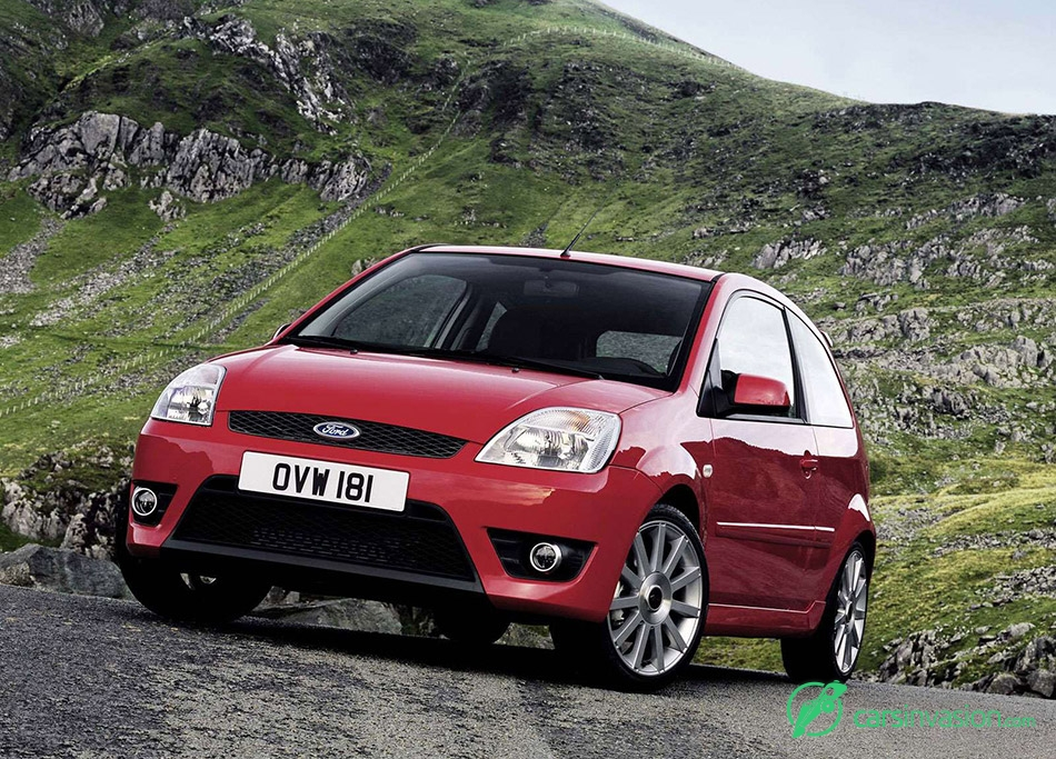 2005 Ford Fiesta ST Front Angle
