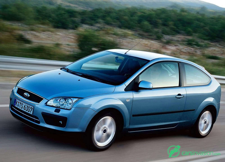 2004 Ford Focus 3door European Version Front Angle