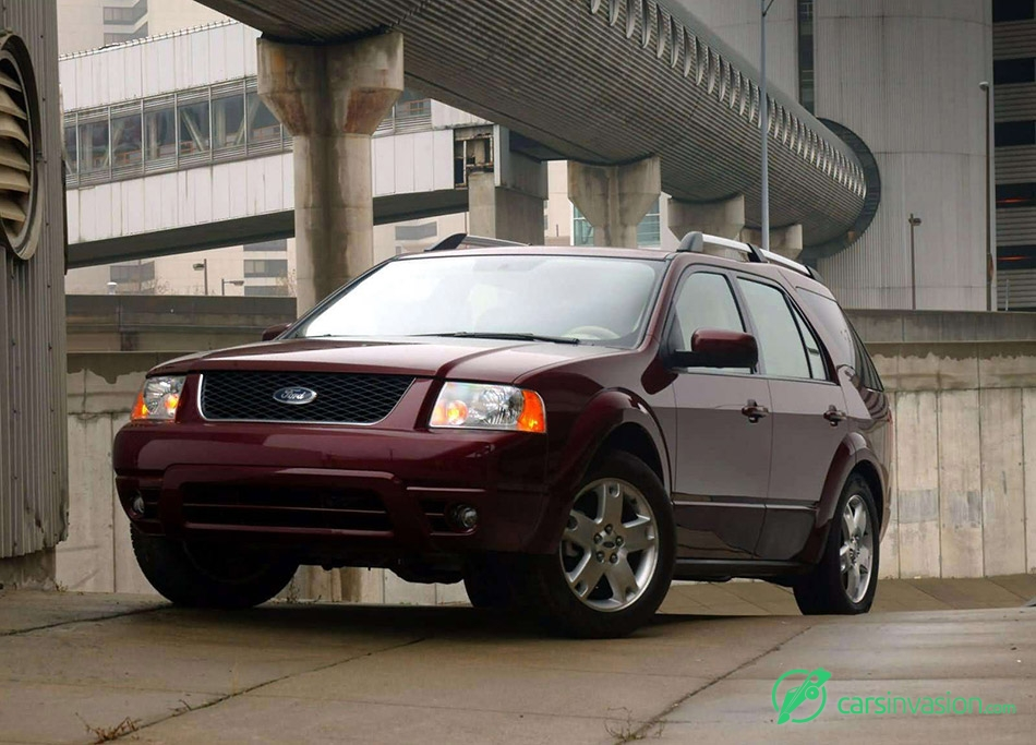 2005 Ford Freestyle Limited Front Angle