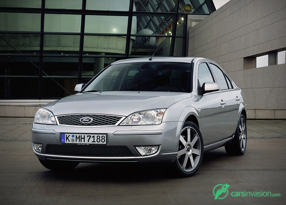 2005 Ford Mondeo Front Angle