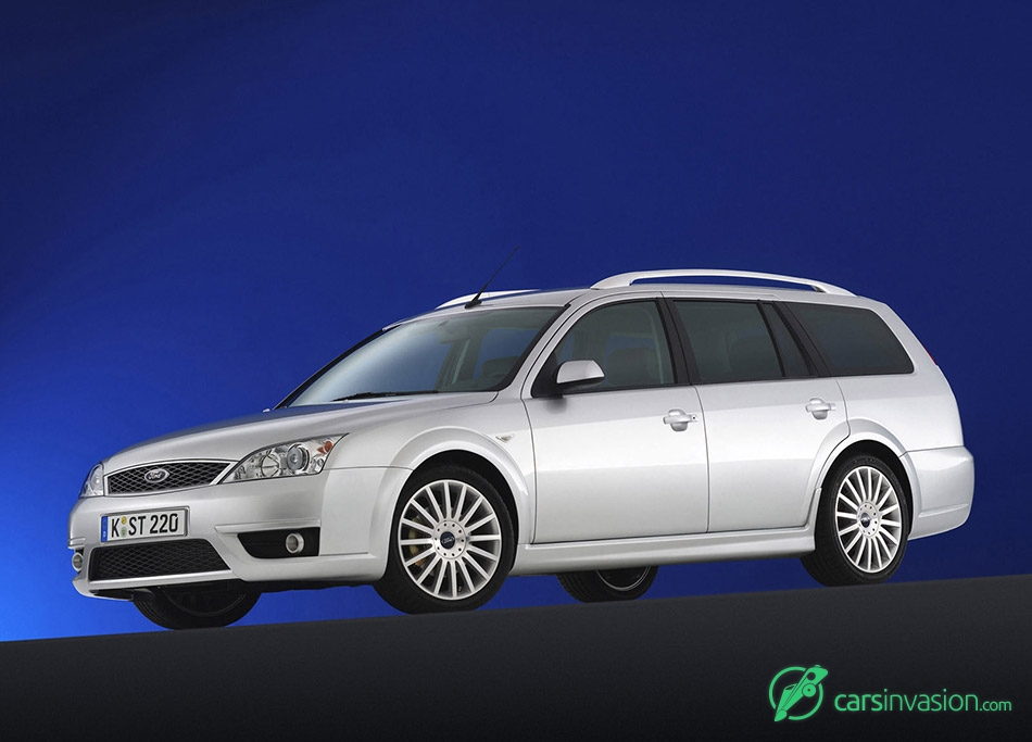 2005 Ford Mondeo ST220 Estate Front Angle
