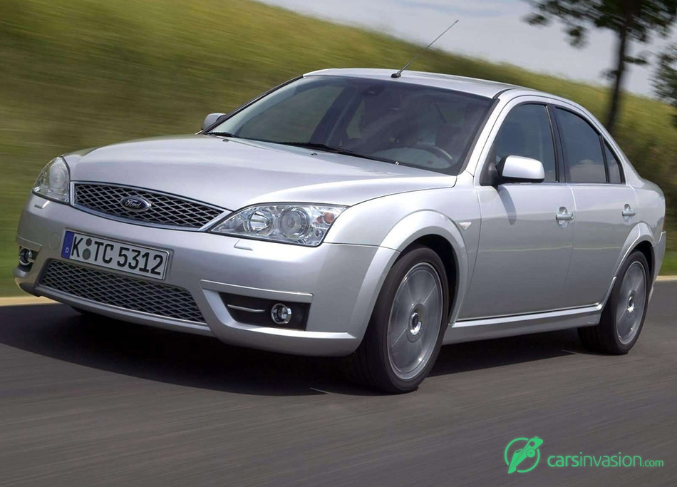 2004 Ford Mondeo Titanium TDCi Front Angle