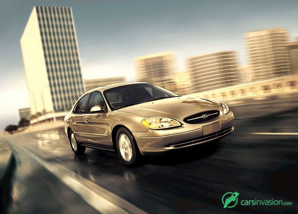 2003 Ford Taurus Front Angle