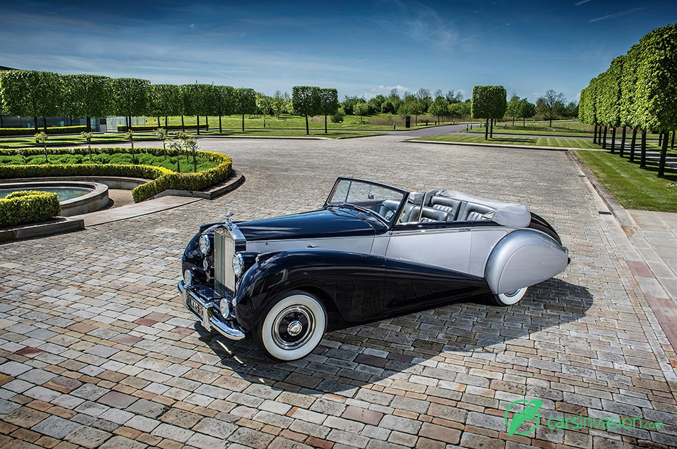 1952 Rolls-Royce Silver Dawn Front Angle