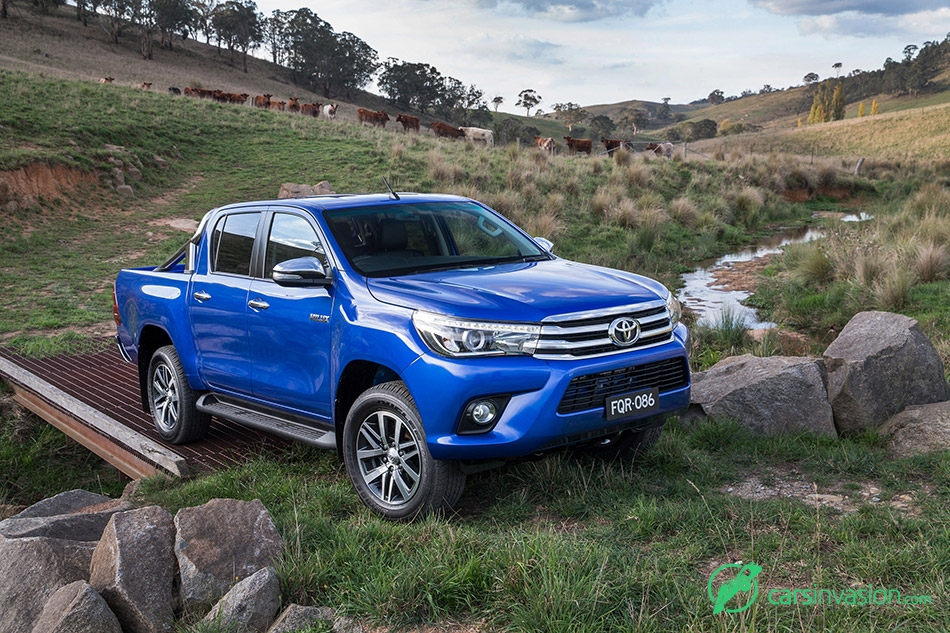 2015 Toyota HiLux Front Angle