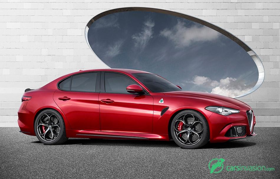 2016 Alfa Romeo Giulia Side