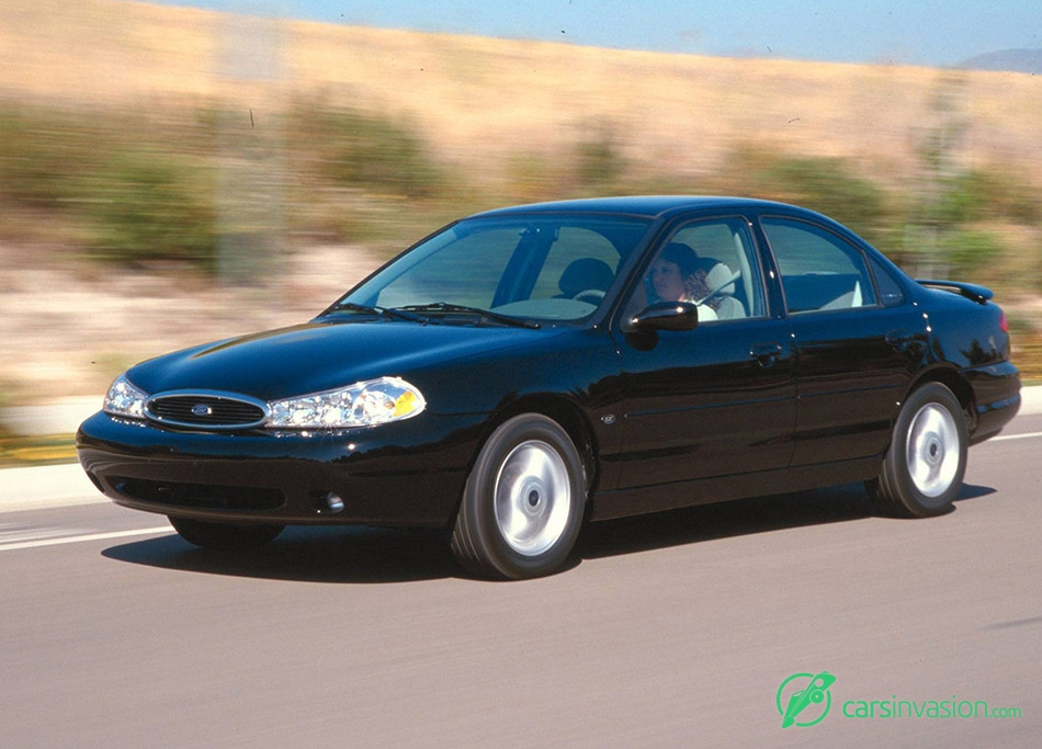 2000 Ford Contour Front Angle