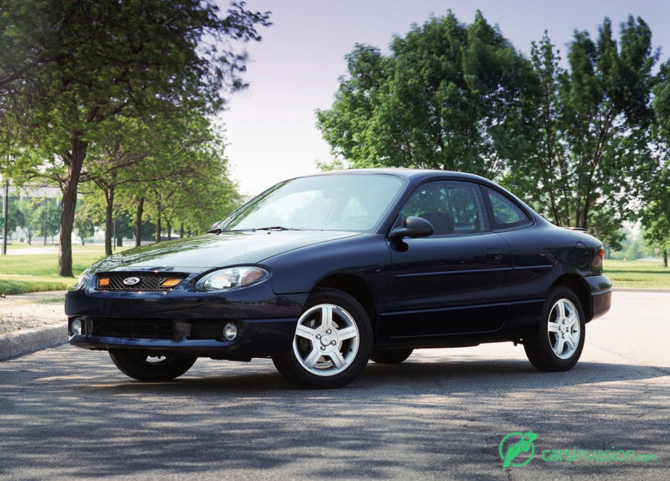 2003 Ford Escort ZX2 Front Angle