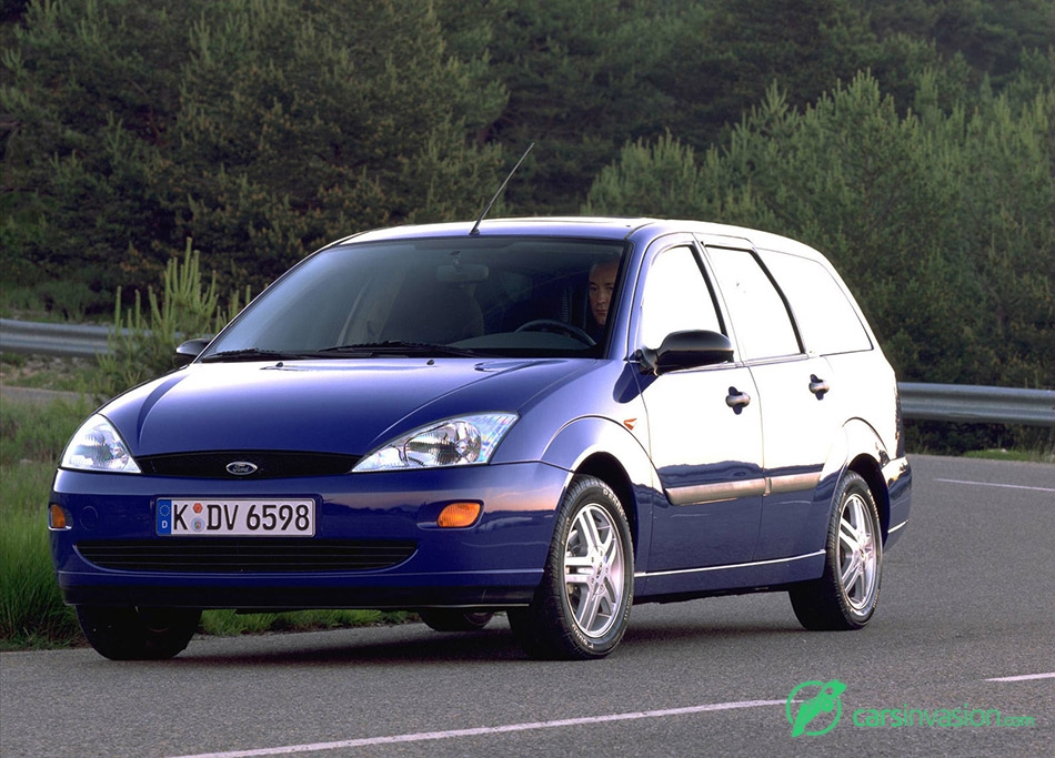 1998 Ford Focus Estate Front Angle
