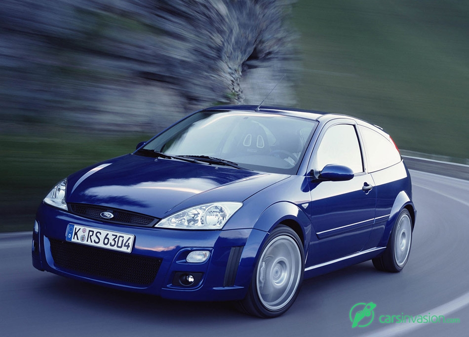 2002 Ford Focus RS Front Angle