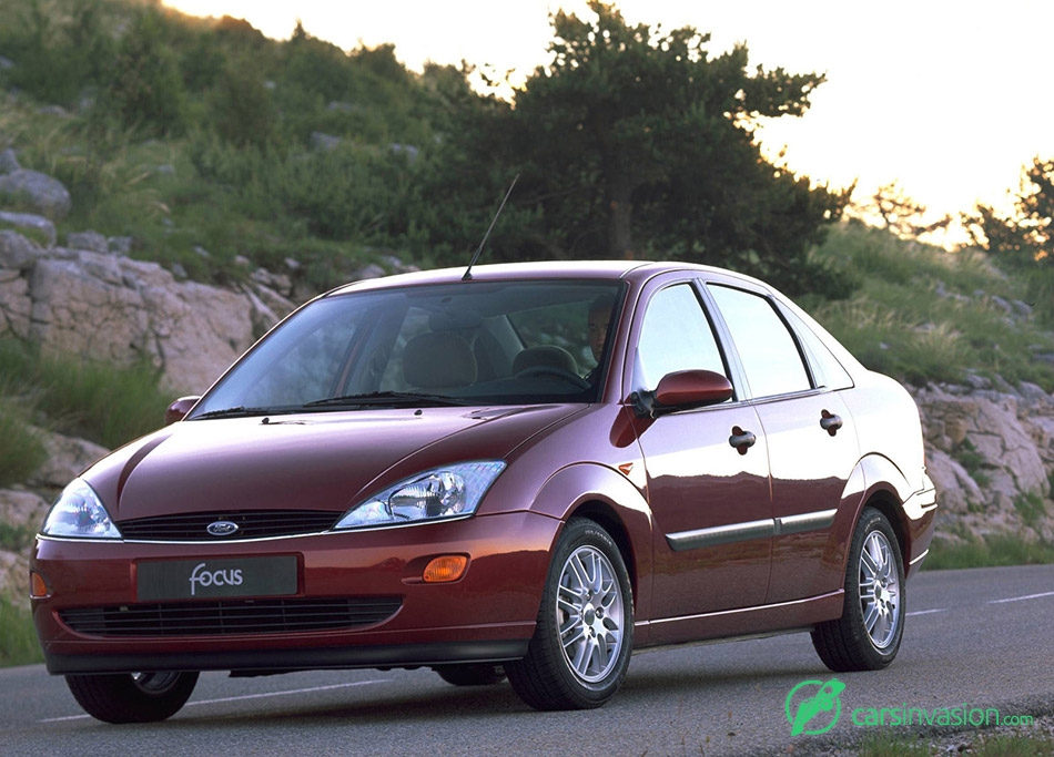 1998 Ford Focus Sedan Front Angle