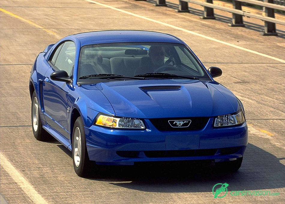 1999 Ford Mustang Front Angle
