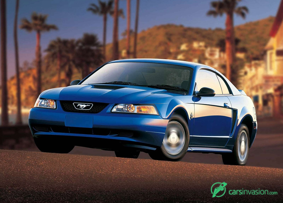 2002 Ford Mustang Front Angle
