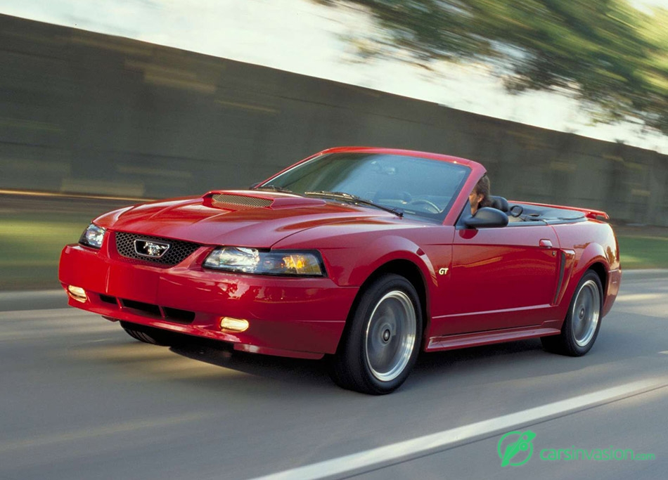 2002 Ford Mustang GT Convertible Front Angle