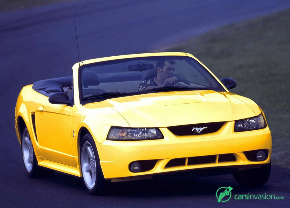 2001 Ford Mustang SVT Cobra Front Angle