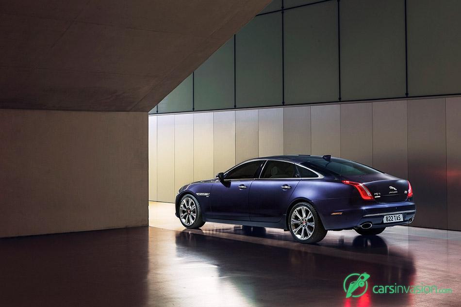 2016 Jaguar XJ Rear Angle