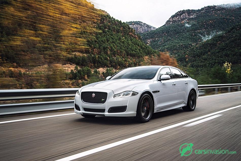 2016 Jaguar XJ Front Angle