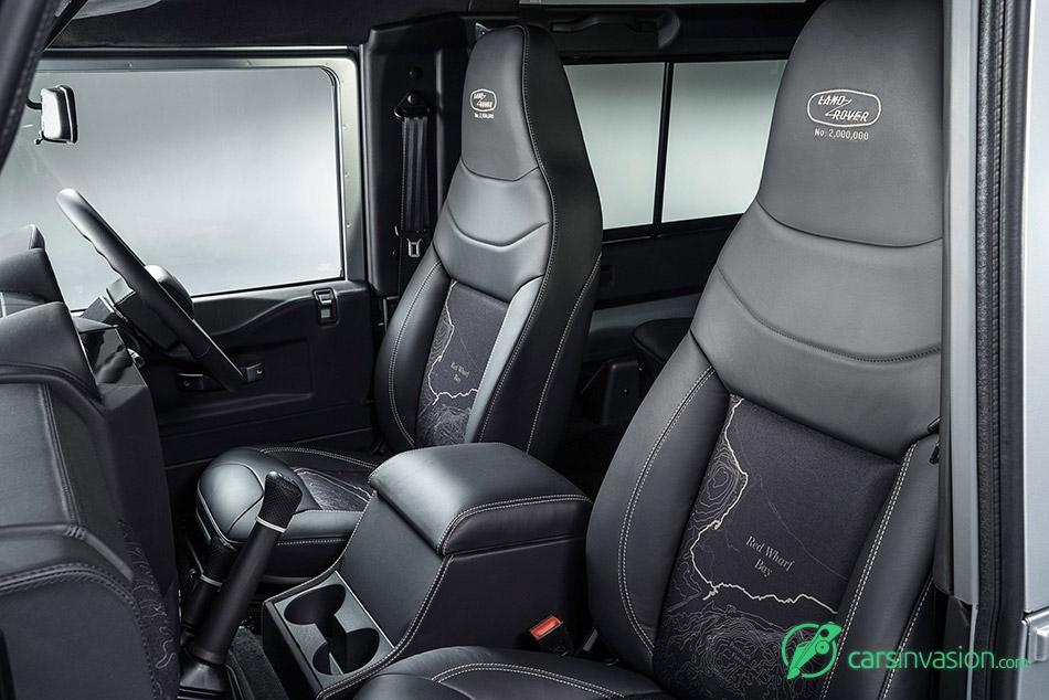 2015 Land Rover Defender 2 000 000 Interior