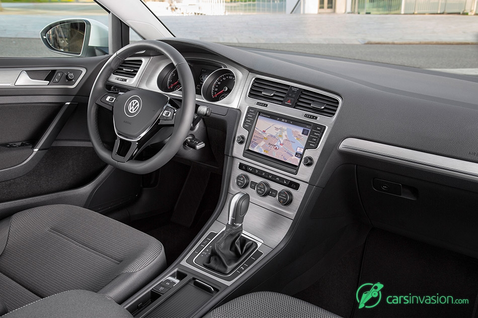 2015 Volkswagen Golf TSI BlueMotion Interior