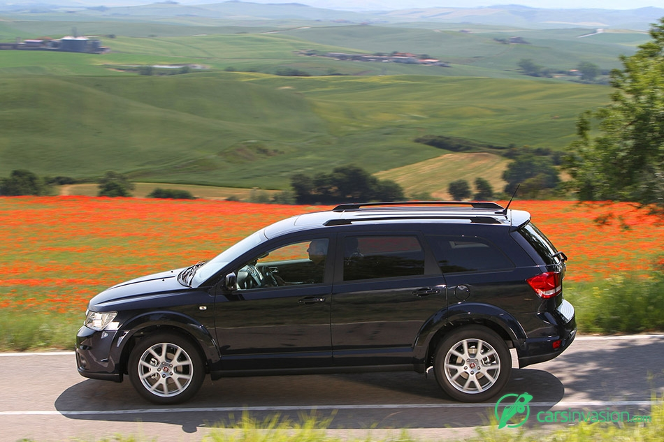 2012 Fiat Freemont Side