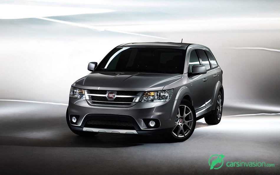 2012 Fiat Freemont Front Angle