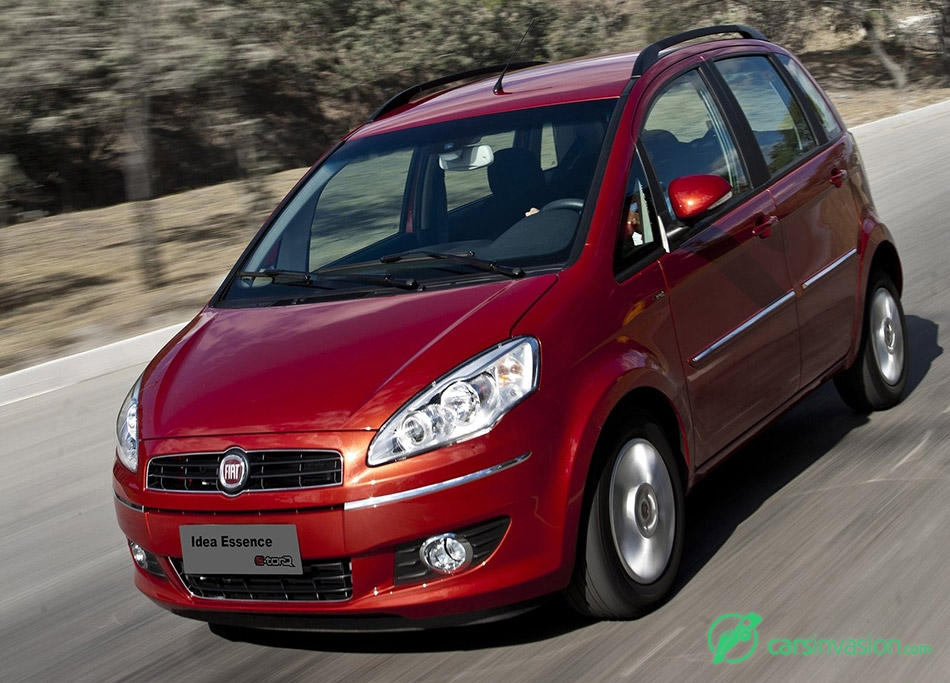 2011 Fiat Idea Front Angle