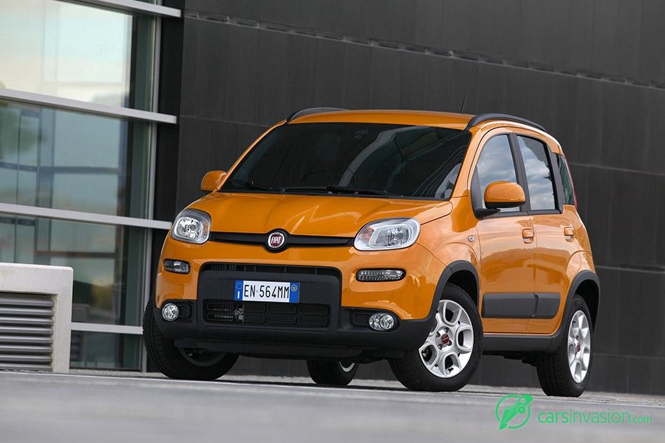 2013 Fiat Panda Trekking Front Angle