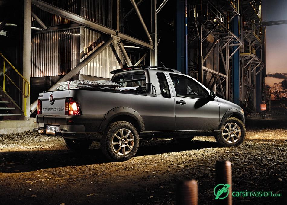 2013 Fiat Strada Rear Angle