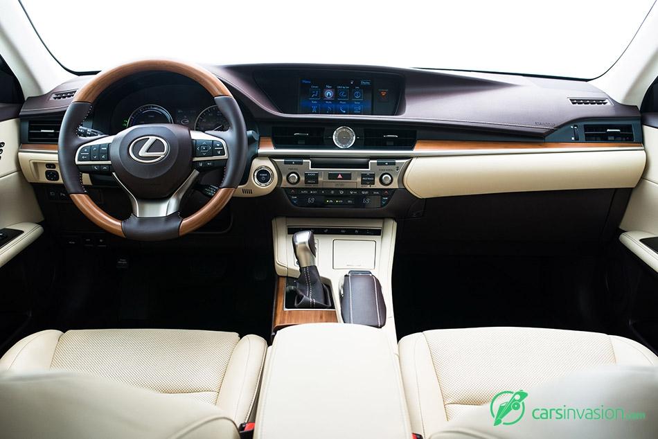 2016 Lexus ES300h Interior