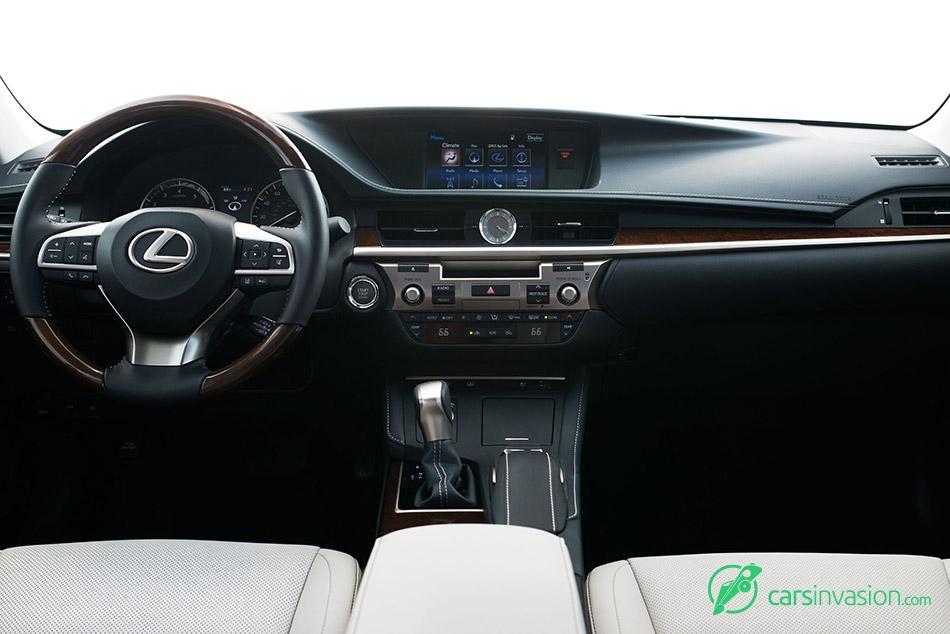 2016 Lexus ES350 Interior