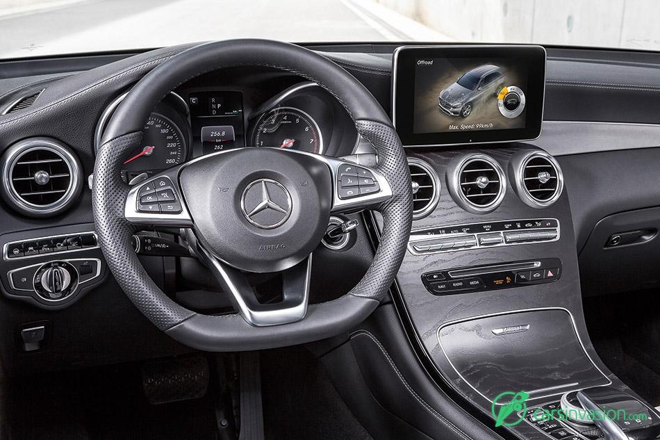 2016 Mercedes-Benz GLC Display