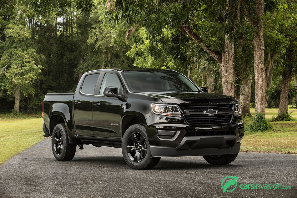 2016 Chevrolet Colorado Midnight Edition Fornt Angle