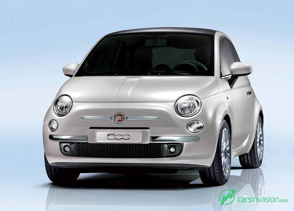 2008 Fiat 500 Front Angle