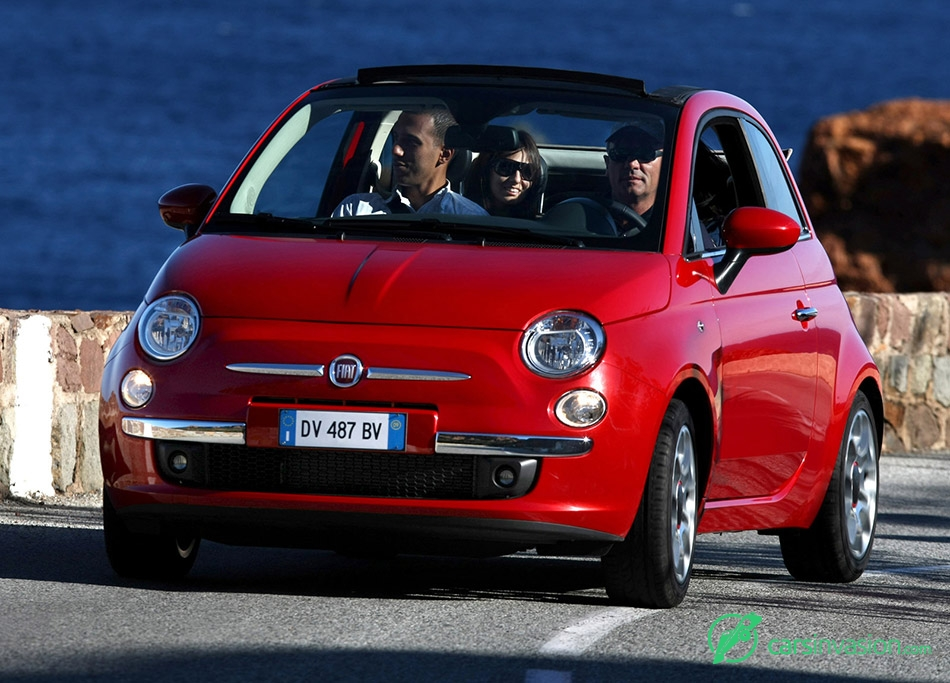2010 Fiat 500C Front Angle
