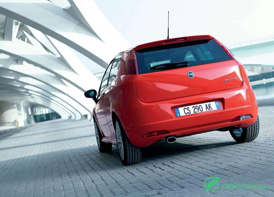 2005 Fiat Grande Punto Rear Angle