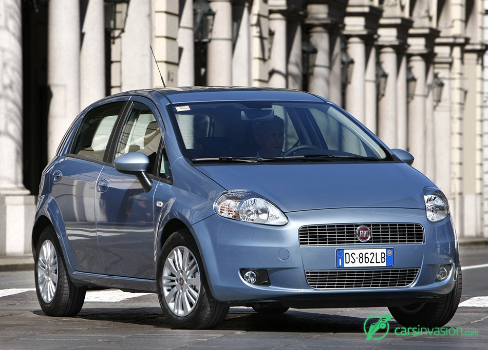 2009 Fiat Grande Punto Natural Power Front Angle