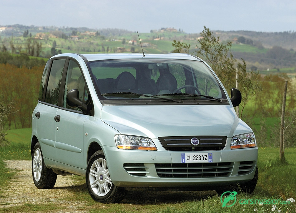 2004 Fiat Multipla Front Angle