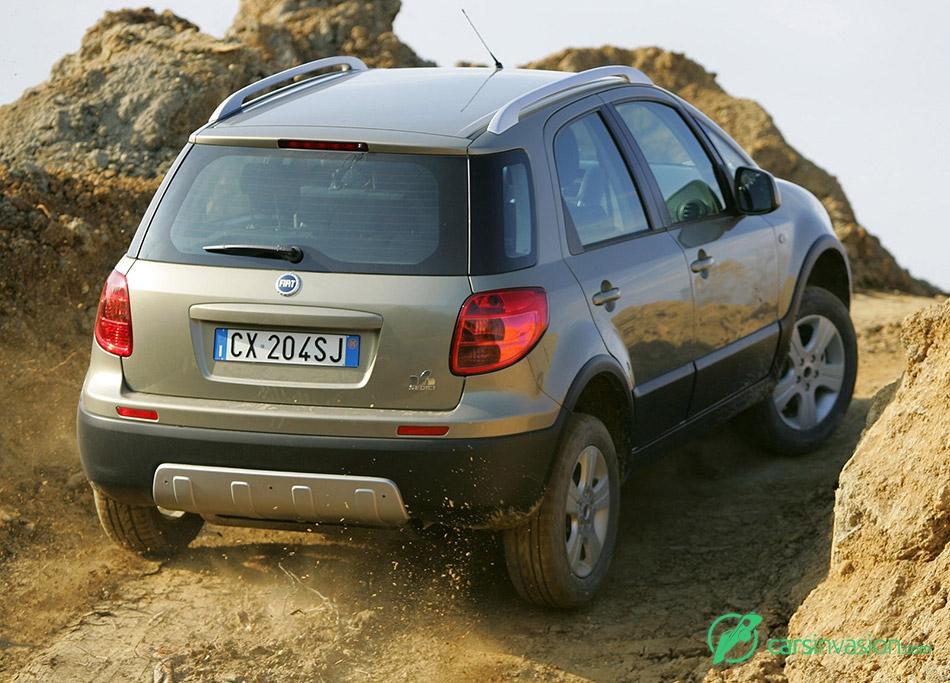 2006 Fiat Sedici Rear Angle