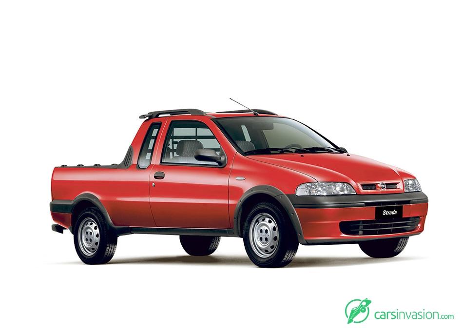 2003 Fiat Strada Front Angle