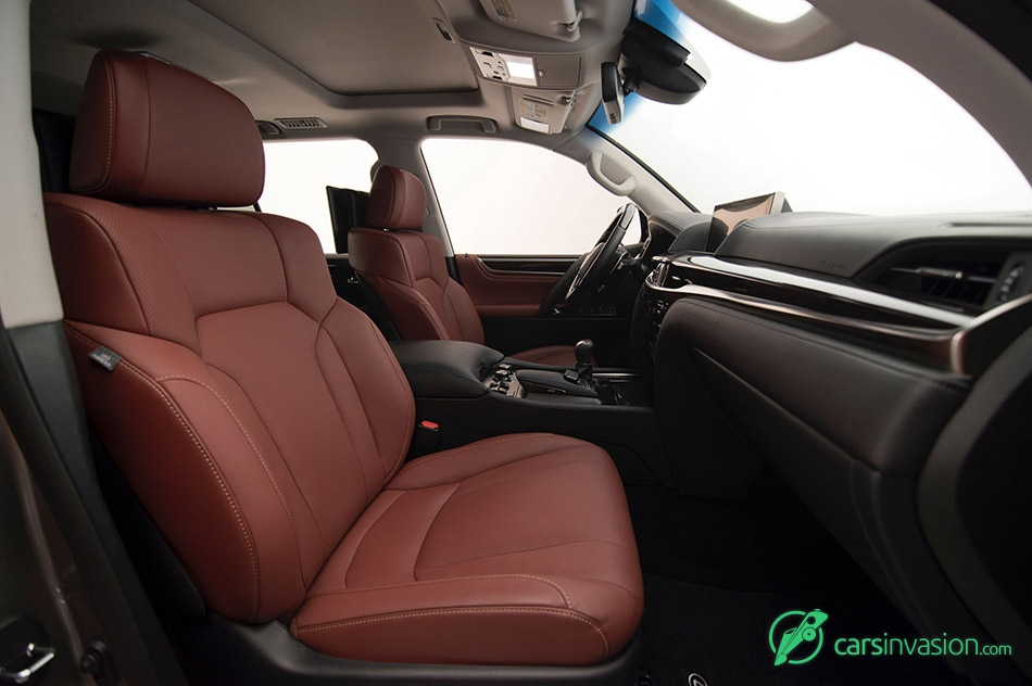 2016 Lexus LX 570 Front Seats
