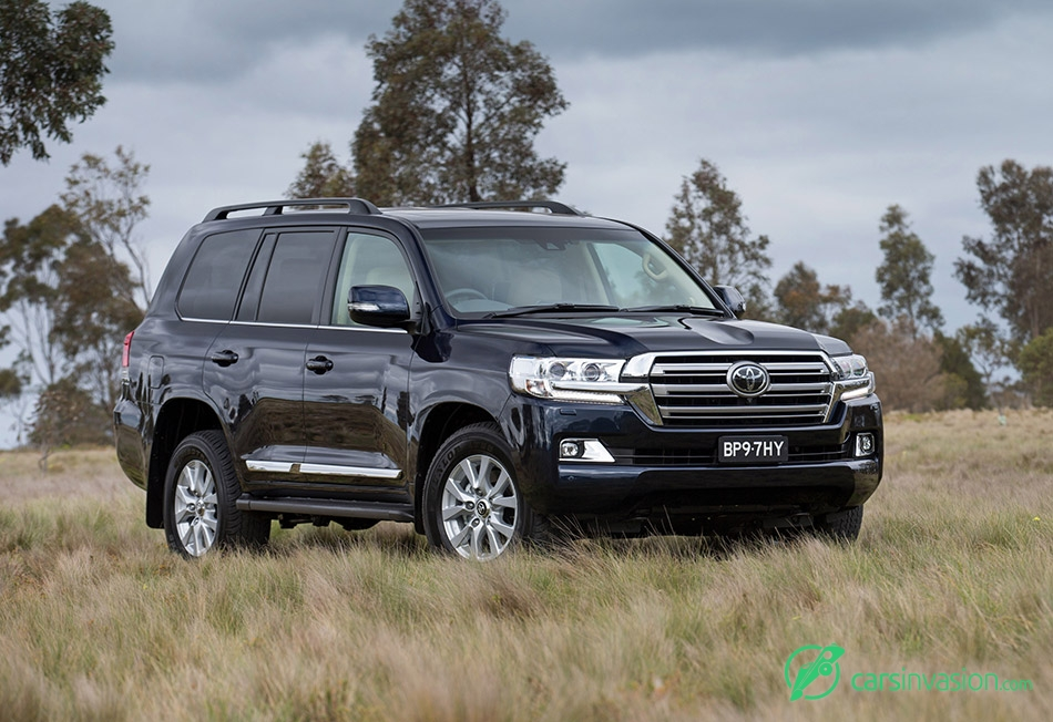 2015 Toyota Land Cruiser Facelift Front Angle