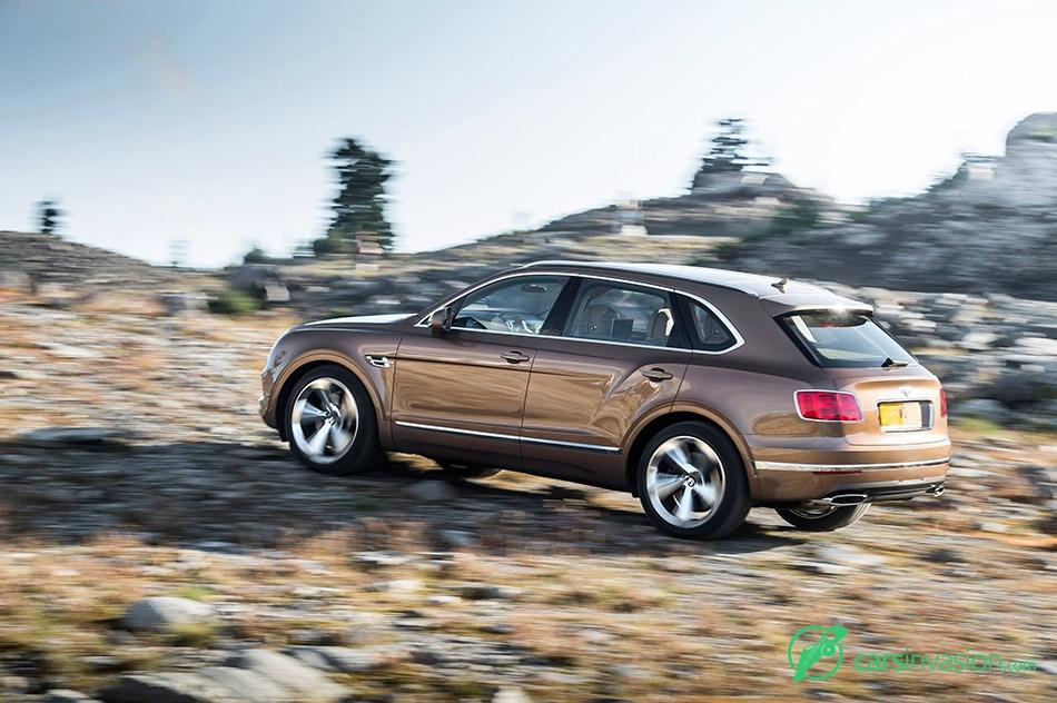 2016 Bentley Bentayga Side Offroad