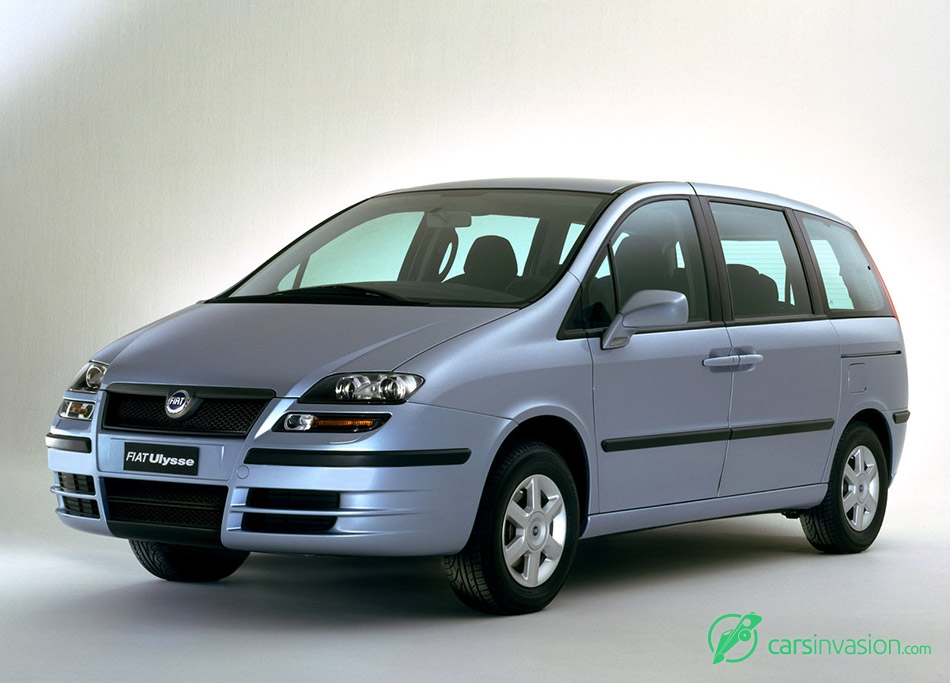 2002 Fiat Ulysse Front Angle
